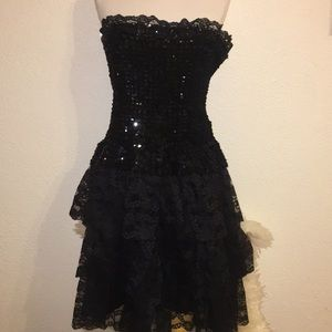 Dresses & Skirts - Sequins black lace layered dress